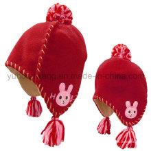 Chapeau / casquette en molleton polaire d'hiver avec boule de laine à tricoter