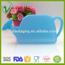 Venta al por mayor HDPE vacía lata de riego plástica linda personalizada para uso de los niños
