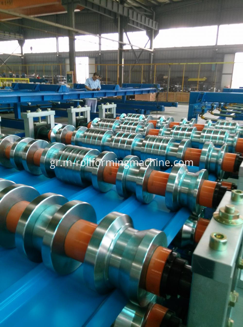 Standing seam roof panel sheet roll forming machine