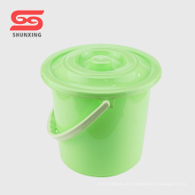 Doméstica durável limpeza 12L balde de plástico com tampa