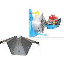 Machine de formage de rouleau à plaque d'acier