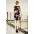 Ärmelloser Rundhals-Digitaldruck Blumen-Tunika-Kleid mit Frontschlüssel