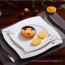 Plato cuadrado de cerámica con calcomanía