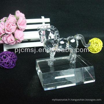 Cheval de cristal vif pour les cadeaux et décoration de la maison AP-M036
