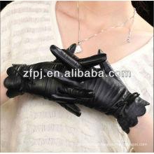 Senhoras lindas amores de couro preto
