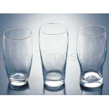 Copos de vidro transparente
