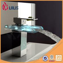 Grifo de agua de lavabo de latón de baño