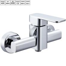 Ванная комната установленная поверхность ванны смеситель для душа