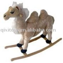 Camelo de balanço de pelúcia