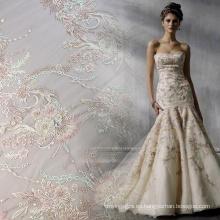 Tela de vestido de novia con cuentas de trabajo hecho a mano de color claro