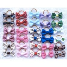 Bande de caoutchouc Pet Dog Hair Bows Accessoires Assortiment de conception Cute Dog Bow Clip