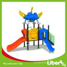 Terrain de jeu extérieur Type Pré-scolaire Aire de jeux en plastique à l'extérieur avec toboggans pour enfants