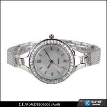 Maßgeschneiderte Uhr wählt Legierungsbanduhr für Damen