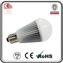 Le haut lumen LED allume l'ampoule E26 LED