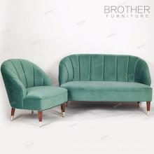 Sofá curvado copetudo antiguo francés de la alta manera del estilo para la sala de estar