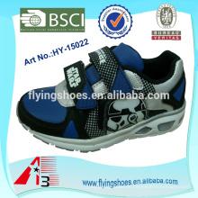 Zapatos al por mayor baratos de los muchachos de China del alibaba para los hombres