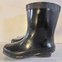 Electric shock insulating shoe