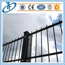 Niedriger Kohlenstoffstahl-doppelter Draht-Ineinander greifen-Zaun