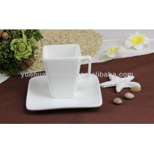 Squre taza de té de cerámica blanca y platillo al por mayor