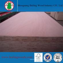 Panneau de bois plaqué chêne rouge 18 mm
