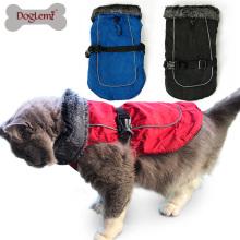 O filhote de cachorro impermeável do gato do inverno veste o fato do revestimento do animal de estimação