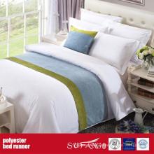 Corredor decorativo da cama da tela poli da decoração
