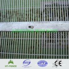 Забор тюрьмы высокой безопасности