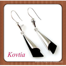 Personalized zinc alloy white and black long pendant earring