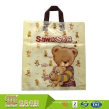 Freundliches dauerhaftes Logo Eco druckte Plastikgeschenk-kundenspezifische Kleidungs-Verpackungs-Tasche
