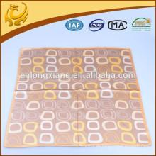 Heißer Verkauf gedruckter 100% silk quadratischer Satin-Kopf Neuer Entwurfs-arabischer Schal für Männer