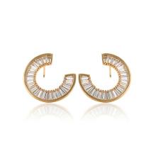97095 xuping design unique or 18k couleur synthétiques zircon dames de la mode déposer des boucles d'oreilles