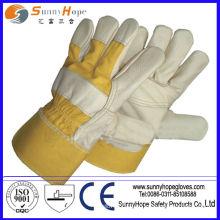 Перчатка из натуральной кожи с прорезиненной манжетой