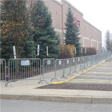 Galvanized city Road portable steel Crowd control barrier
