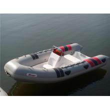 Aufblasbares 6-Personen-Rippenboot aus Fiberglas mit Konsole