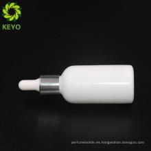 Botella cosmética del dropper del vidrio del embalaje del perfume vacío coloreado blanco de lujo 15ml 30ml