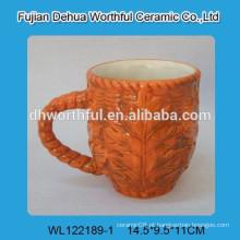 Caneca cerâmica da folha de bordo de Canadá