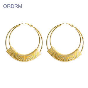 Mais recente moda Oversized Gold Hoop Earrings