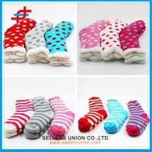 Custom 2015 New Winter Baumwollsamt gestrickt Soft Indoor Socken Hause Slipper Socke