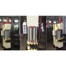 Presse hydraulique automatique avec machine à un bras