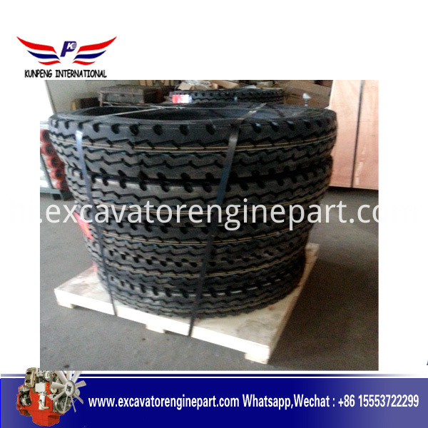 Zambia Tyre With Wooden Pallet And Iron Brand