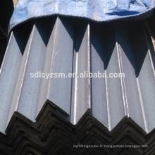Angle boursier laminé à chaud en acier bas prix par tonne