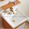 Классический шкаф для ванной