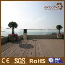 Platelage de terrasse bois vert WPC, planche de bois Composite pour balcon de toit.
