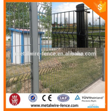 private wire mesh fence