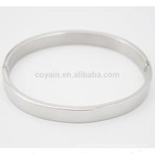 Einfache Design Einfache Silber Edelstahl Armreif mit Verschluss