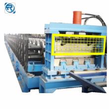 Machine de formage de rouleaux de plaques de panneaux muraux