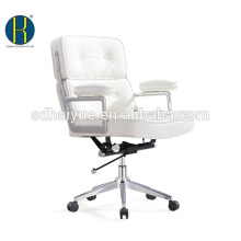 2017 popular very comfortable seat white pu executive chair with chrome base