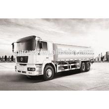 Camion de carburant de 6X4 RHD HOWO / camion de réservoir de carburant / camion de pétrole / camion de réservoir d'huile / réservoir de liquide d'acide camion / remorque de réservoir / camion chimique