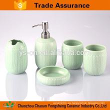 5pcs accesorios de baño populares de diseño de porcelana azul y blanca con dos vasos