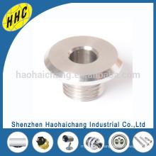 2016 Chine Fabrication CNC filetage en acier inoxydable vis creuse